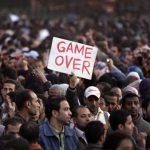 Der Sturz Mubaraks war nicht das Ende sondern der Beginn der arabischen Revolutionen. Ihr Ziel muss der Sturz der kapitalistischen Staaten und ihrer Machtapparate, wie dem Militär, sein und das Errichten einer sozialistischen Föderation im nahen und fernen Osten!  Foto: Ben Curtis/AP/dapd